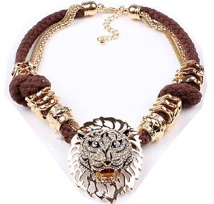Chic gold lion head pendant necklace