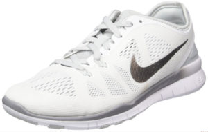 White nike trainers for women